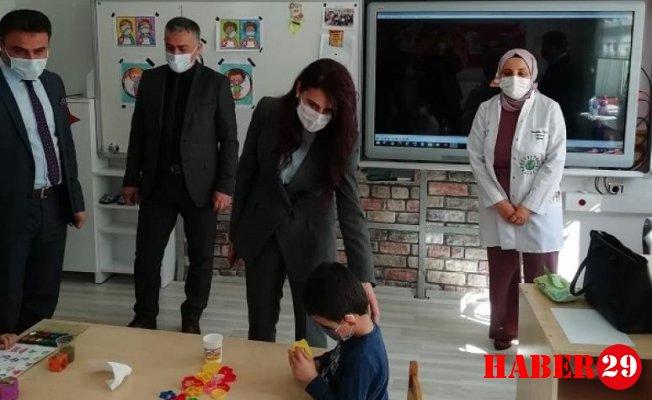 Kaymakam Dalmış Yüz Yüze Eğitime Başlayan Okulu Ziyaret Etti
