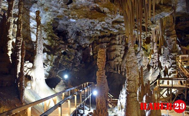 Karaca Mağarası'nın Ziyaretçi Sayısı 20 Bini geçti